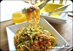 TUNA AND TOMATO SAUCE LINGUINE